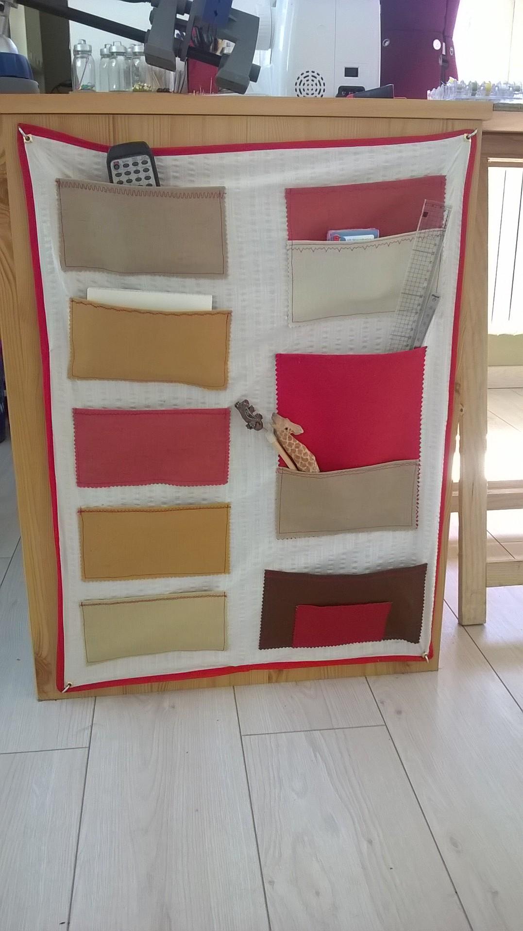 vide poche mural en tissu. Black Bedroom Furniture Sets. Home Design Ideas